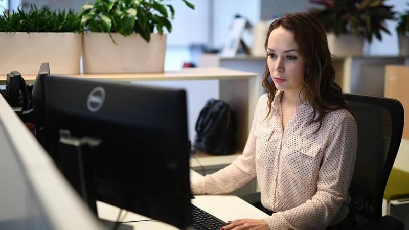 Женщин в России могут отправить на четырехдневную рабочую неделю