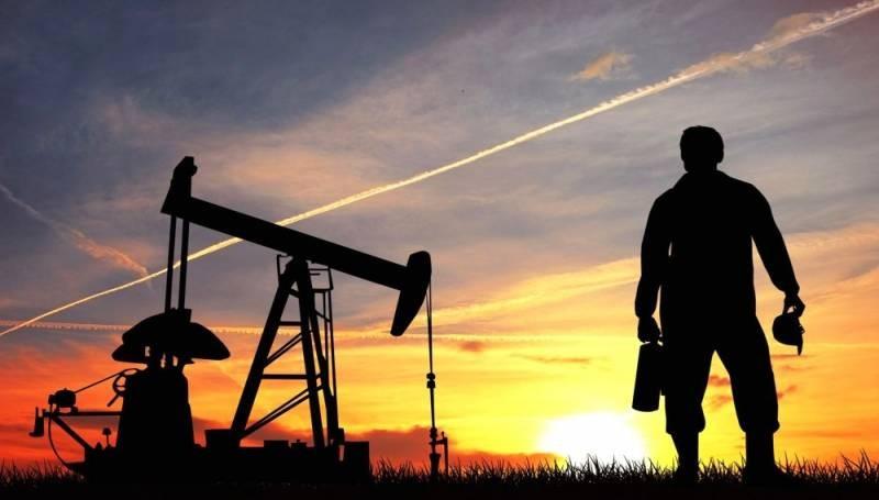 В правительстве решили изменить цену на бензин