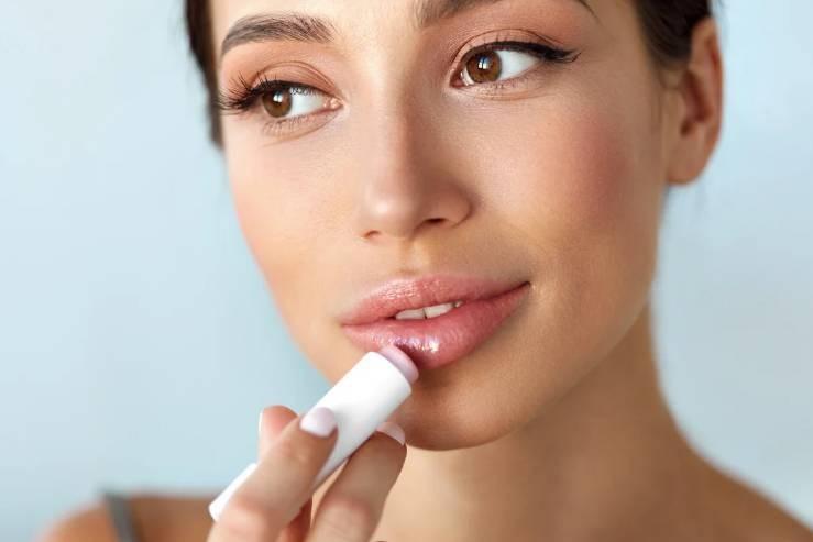 Пухлые и красивые: как можно увеличить губы в домашних условиях
