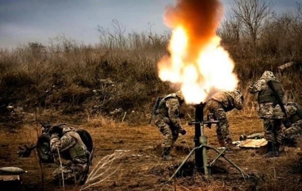 Киев обстрелял окрестности Донецка