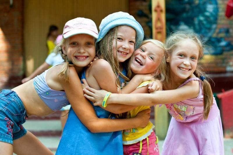 Владимир Путин предложил продлить кэшбэк туристам и ввести его за детские путевки в лагеря