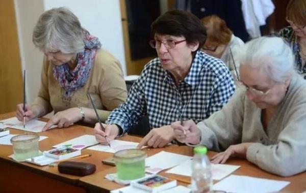 В Совфеде прояснили возможные сроки индексации пенсий работающим пенсионерам