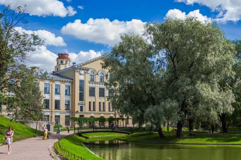 Миллиардеру Мамишеву отказали в домике у Юсуповского сада
