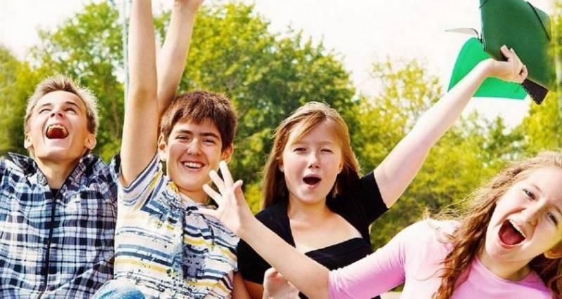 Когда у школьников начинаются летние каникулы в 2021 году