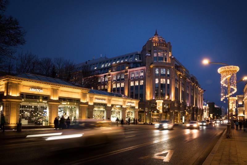 Китайские инвесторы избавляются от здания Военторга