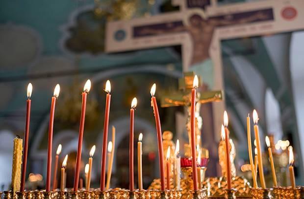 Какие молитвы нужно читать на Радоницу, чтобы Господь простил грехи усопших