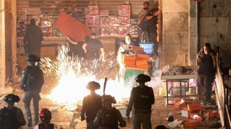 ХАМАС стал бомбить Израиль, показывая свое несогласие с действиями евреев
