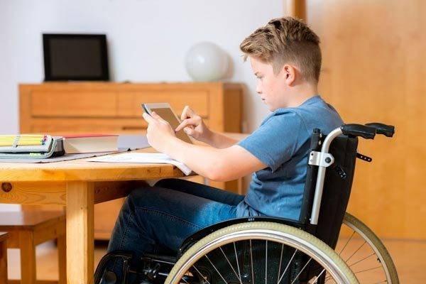 Какие выплаты и льготы положены детям-инвалидам и их родителям в 2021 году