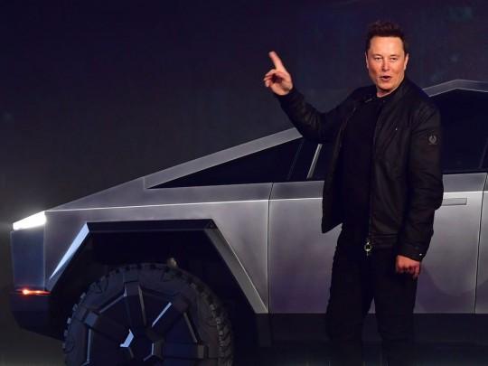 Глава Tesla Илон Маск обрушил биткоин одним твитом