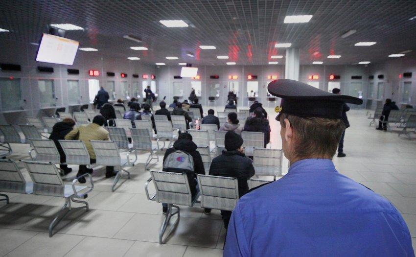 Что предусматривает указ Путина, или Как будет проходить регистрация мигрантов после 15 июня 2021 года