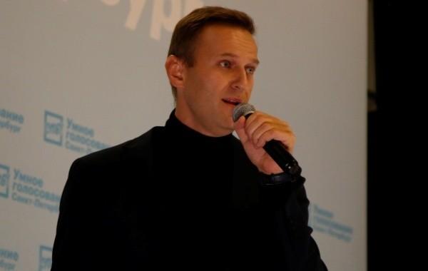 """Навальный остался """"склонным к побегу"""""""