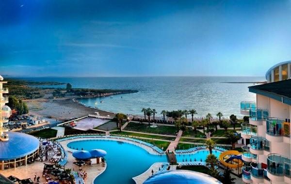 Озвучены очередные сроки открытия курортов Турции для россиян