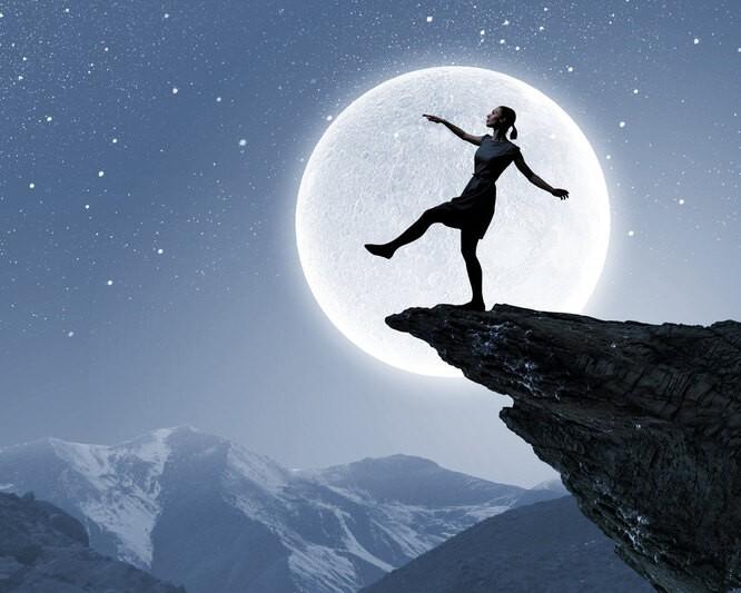 Сомнамбулизм: почему люди ходят во сне