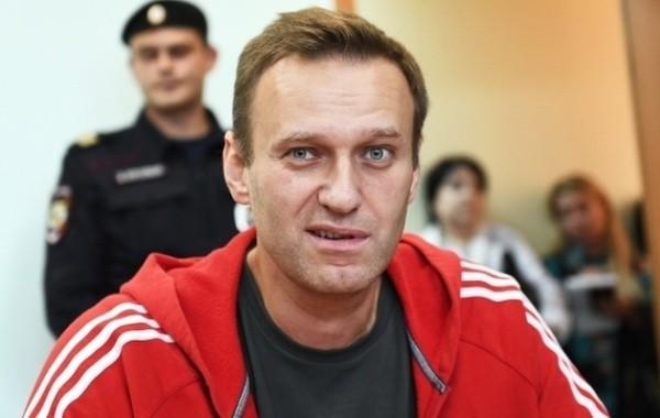 Песков опроверг слухи о возможном обмене Навального в США