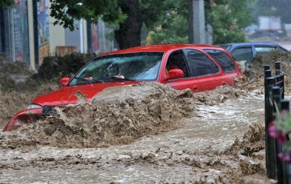 В Крыму из-за потопа эвакуировали почти две тысячи человек