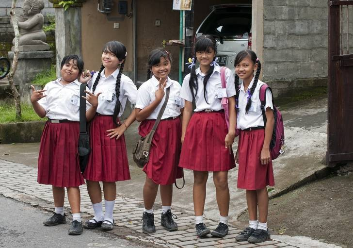 Девять удивительных фактов о жизни учеников и образовании в разных странах