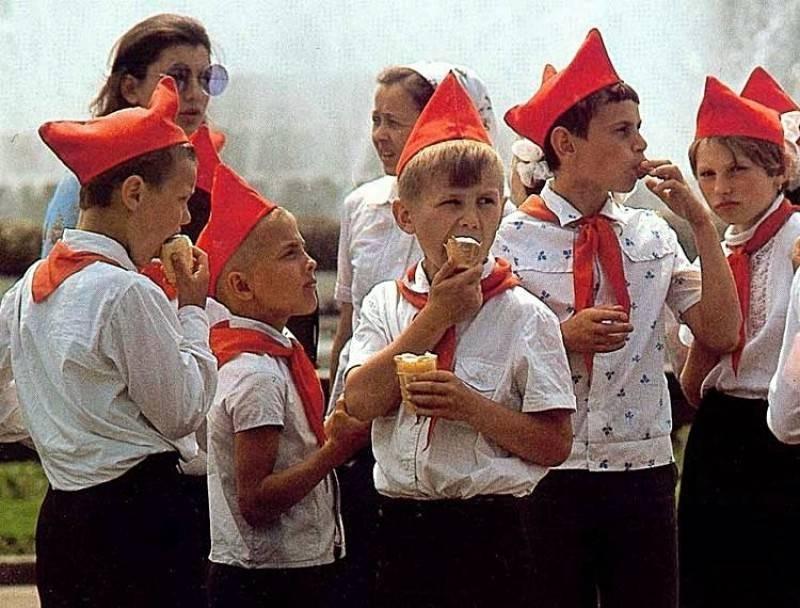 Запреты для советского школьника, который был пионером, или собирался им стать