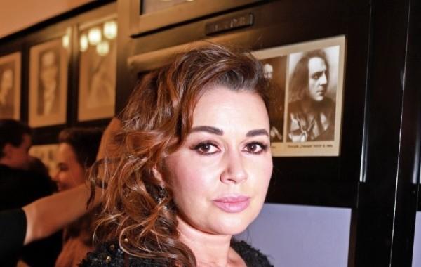 Анастасия Заворотнюк переписала всю недвижимость на мать