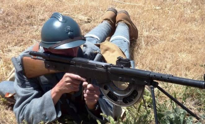 Почему ручной пулемет Шоша был признан худшим в 20 веке