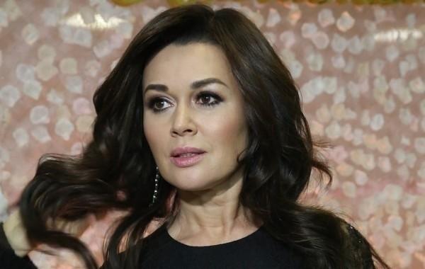Актриса Анастасия Заворотнюк находится в состоянии ремиссии