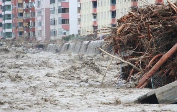В Турции растет число жертв наводнений