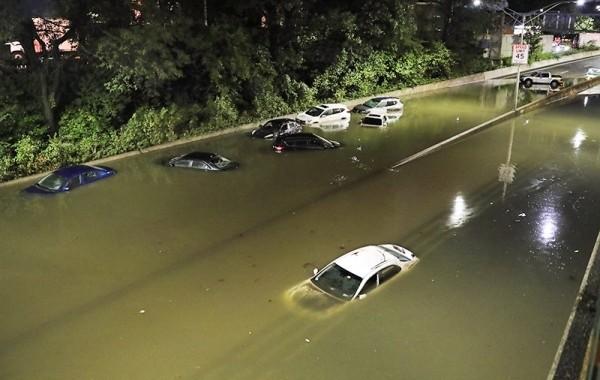 """В США возросло число жертв урагана """"Ида"""""""