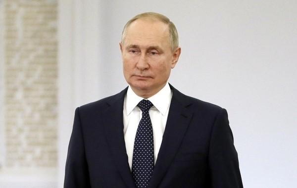 Путин рассказал об уходе на самоизоляцию