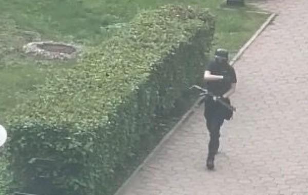 Пермский стрелок начал стрельбу по пути в университет