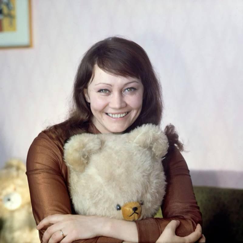 Биография Ларисы Лужиной, личная жизнь, фото в молодости